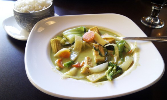 Green Curry Vegetable (Gaeng Kiaw Wan Pak)